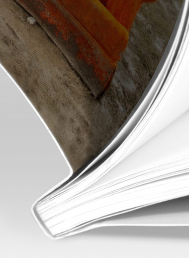 Limbunden bok närbild